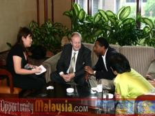 Bernhard Schutte, Captain Winston Scott, and Dato' Rosnah Majit being interviwedBernhard Schutte,CEO of Digital Media Network (DMNI), Captain Winston Scott, Executive Director of Florida Space Authority, and Dato' Rosnah Majit, CEO of Electronic Business Management (EBM)